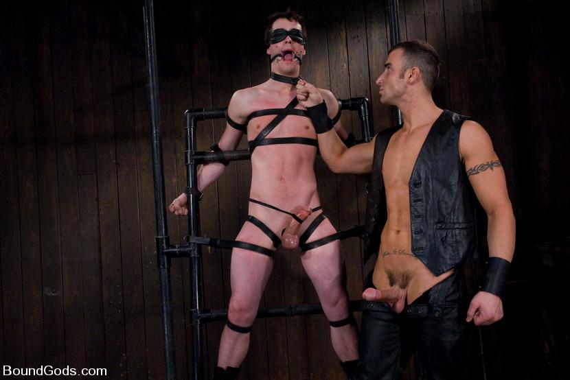 Baise gay SM en cuir - Gaytag